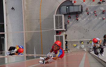 外壁100m登高競争